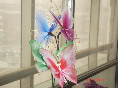 开始学习最简单的百合花的制作:用铁丝缠花瓣