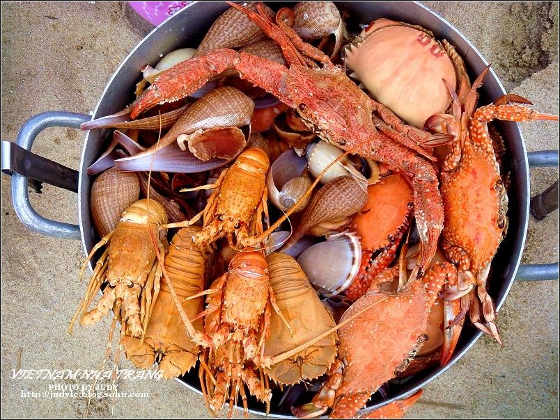 越南----芽庄海滩上的海鲜大餐