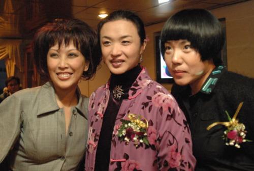 金星秀 服装_上海,我的一件熊猫时装卖了60万-赵半狄-搜狐博客