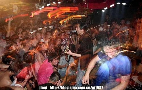 冷血动物乐队自组建以来多次参加北京及外地各种重要