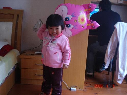 宝宝的2周岁照片和新发型
